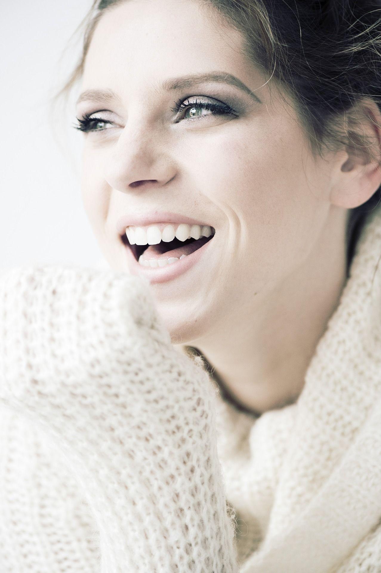 mosolygós lány