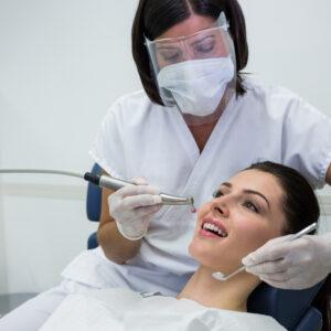 Biztonság, vérzékenység, fogászat, fogorvos, vérzékeny betegek kezelése, szájsebészet, véralvadásgátló, vérhígító